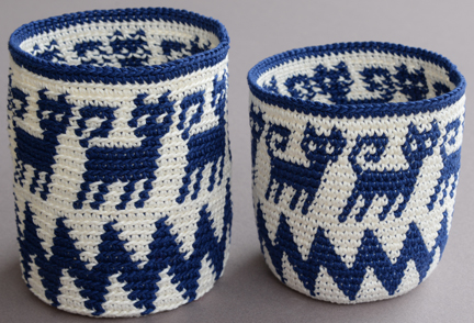 The same hook, thread, tension, and instructions were followed to tapestry crochet these baskets, inserting the hook under the back loop (left) or under both loops (right).