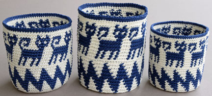 The same hook, thread, tension, and instructions were followed to tapestry crochet these baskets, inserting the hook under both loops (left) or the back loop (center and right).