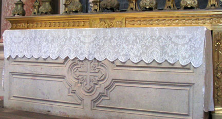 Filet Crochet Altar Cover in Mafra