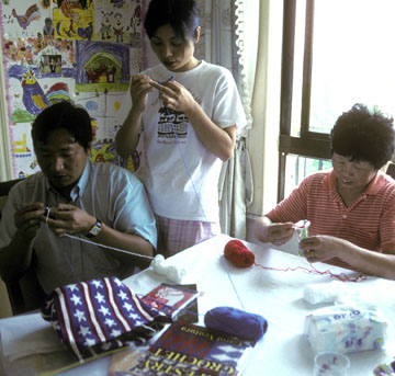 Learning tapestry crochet in Shanghai
